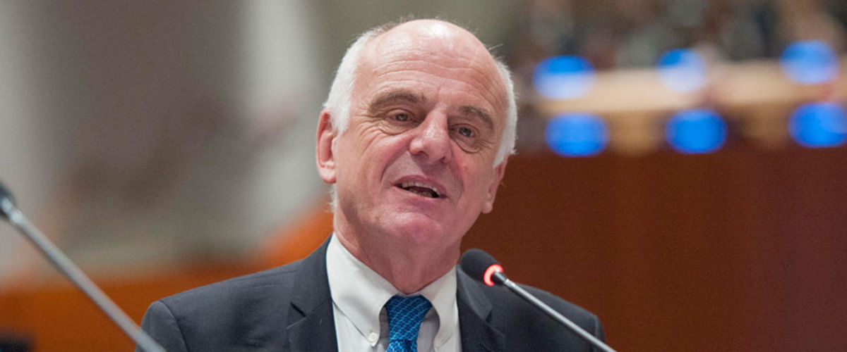 Special Envoy David Nabarro at International Ebola Recovery Conference, 10 July 2015. Photo UN
