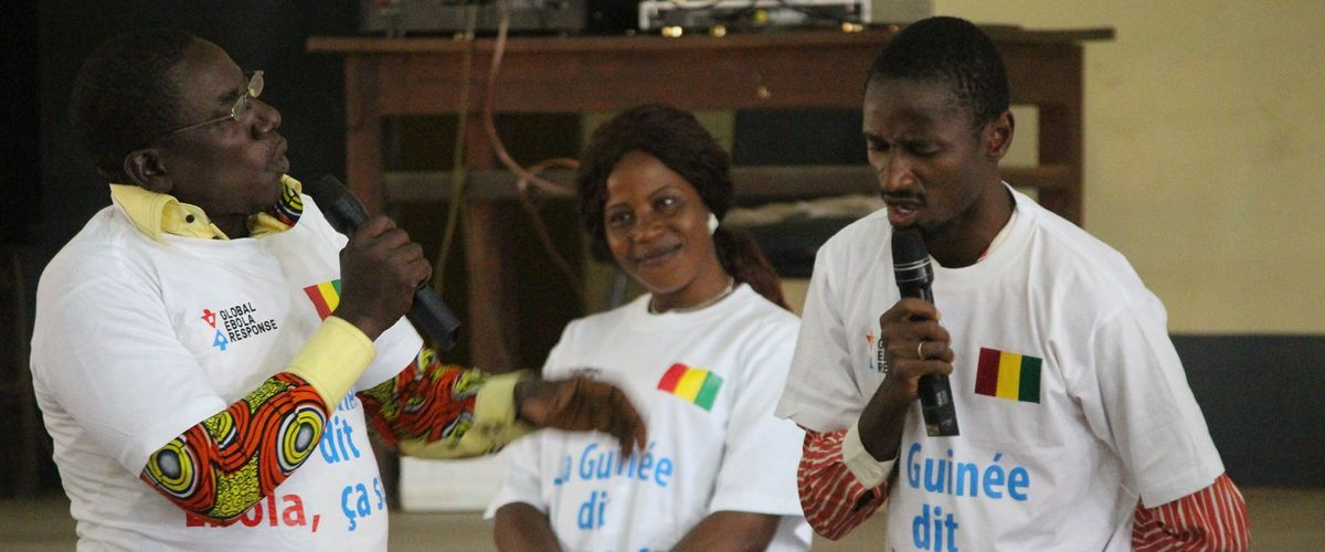 In Guinea, UNMEER Chief Joins Communities to Say 'Ebola is Enough'